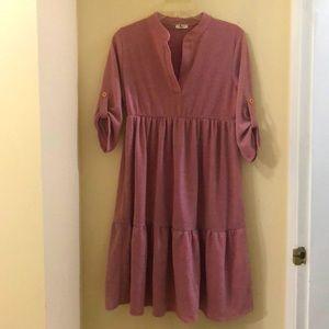 🆕 light pink roll-sleeve tiered shift dress
